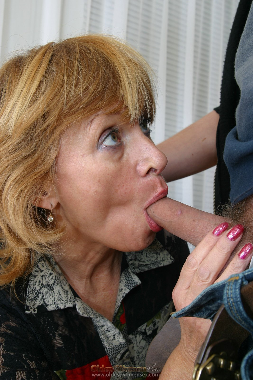 Mature hand and blowjob favorite Pornstar